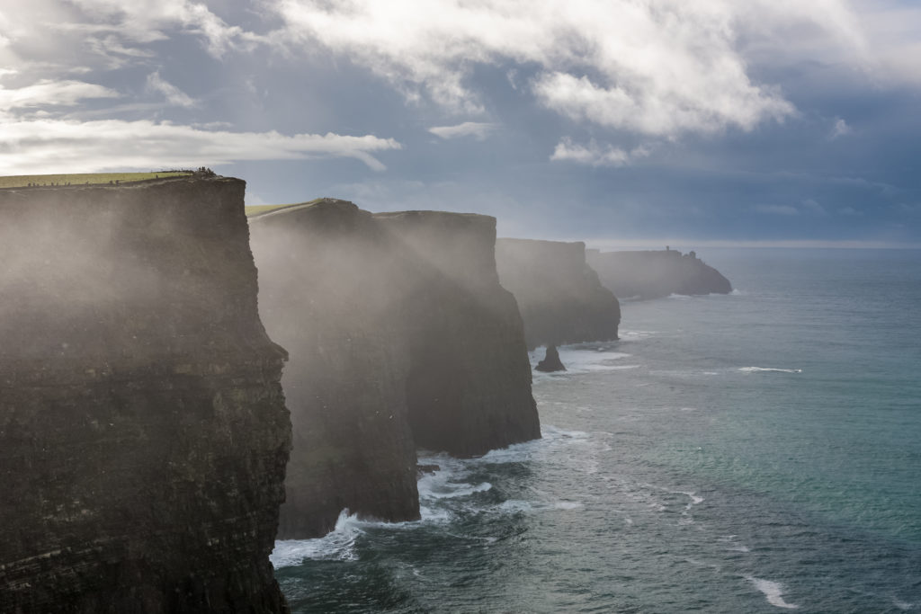 Th e Cliffs of Moher, County Clare, Ireland